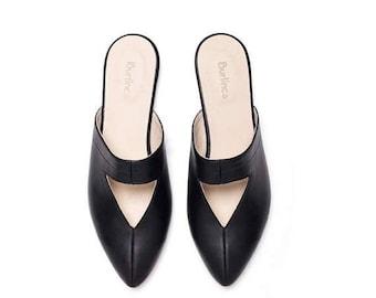 SALE Black mules, black shoes, women shoes, women black shoes, black clogs, handmade leather shoes by Burlinca. Lia model.