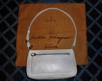 FREE SHIPPING! Vintage Salvatore FERRAGAMO White Leather 8 x 6 x 2 Shoulder Bag Italy W/Dust Bag