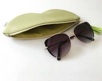 Sunglass case, vegan leather glasses holder, eco leather pouch, zipper women purse, eyeglasses case, green bag