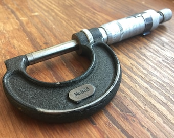 Vintage Micrometer marked Moore & Wright, Sheffield. Precision Measuring Tool. Comes With Case + Spanner. Model number 965.