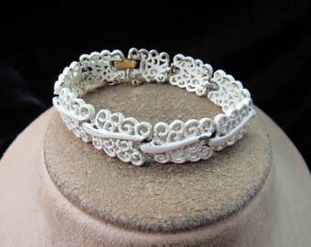 Vintage Signed Monet White Enameled Swirls Bracelet With Security Chain