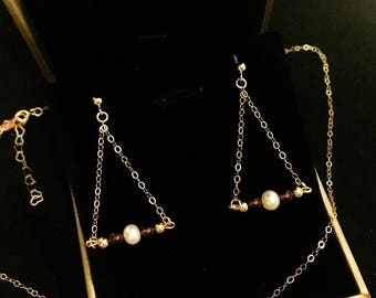 14k gold freshwater pearls necklace and earrings set
