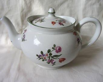 Pretty Vintage Staffordshire pottery tea pot. Very large 23/4 pints 8 cup teapot. White with floral sprigs