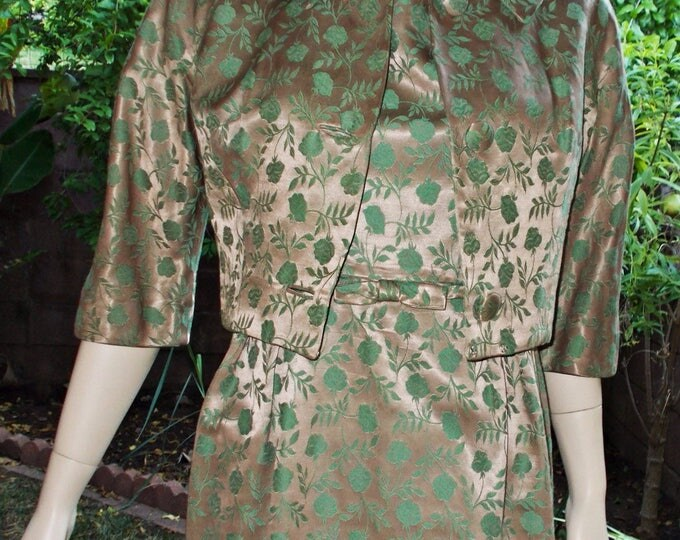Vintage 50s Jackie O Style Leslie Fay Original Rockabilly Wiggle Green Mocha Latte Floral Brocade Cocktail Evening Womens Dress Jacket Suit