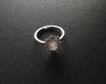 Sterling silver Size 5 cameo band ring delicate design marked 925 Shube's hallmark vintage