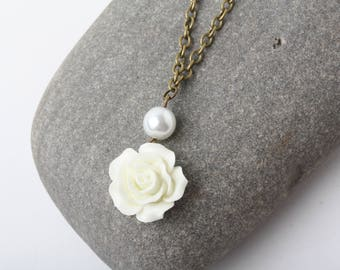 White Rose Necklace, Bridesmaid Necklace, Rustic Wedding Jewelry, White Wedding necklace, White Necklace,  Bridesmaid Gift, Rose Jewelry
