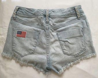 jean shorts with american flag and flower patches !