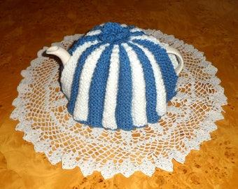 RETRO TEA COZY. Cornish Blue and White.