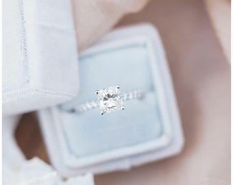 Ring Box - Velvet Ring Box - Vintage Style - Proposal Ring Box - Engagement ring box - Wedding - Personalized Gift - Milky