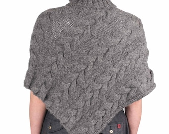 Alpaca twisted, 100% alpaca poncho, hand knitted, very warm and soft.