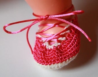 Booties crocheted pink and white - newborn to 3 months