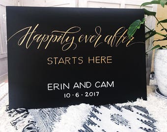Happily Ever After Starts Here Wedding Sign | Welcome wedding sign | Wooden sign | Blackboard wedding sign | Customade | Handmade