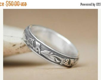 ON SALE Size 5 - Art Deco Inspired Lily Band In Sterling - Silver Floral Wedding - Calla Lily Anniversary Ring - Gift For Her - Ready To Shi