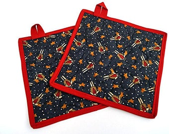 Quilted Pot Holders in Folk Angel Fabric, Set of Two, Patriotic Hot Pads