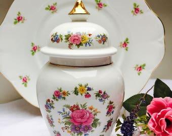 Charming Floral Vintage Sadler Jar, Cookie Jar, Biscuit Jar
