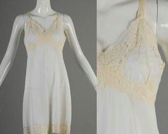 SALE Medium 1960s Full Slip 60s White Full Slip Vintage Lingerie Off White Lace Embroidery Vintage Full Slip Vintage Undergarment Shorter Le