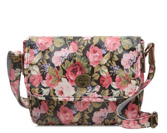 Oilcloth Crossbody bag- Floral rose- Ladies Purse- Ladies Handbag- Satchel- black pink bag- Oil cloth Turnlock bag- Laminated cotton