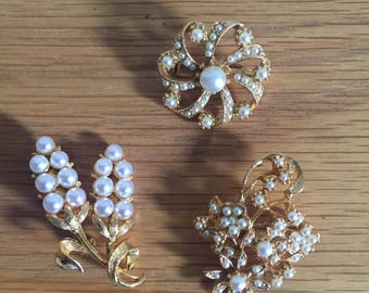 Set of 3 Gold Coloured Brooches*Vintage*