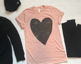 Valentines Day Shirt Women. Valentines Day Shirt. XOXO Shirt. Heart Tee. Heart Shirt. Graphic Tee. Love Shirt. Love Clothing. Heart Tshirt.