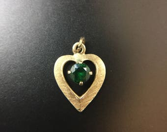 14K yellow gold heart pendant with chrome diopside