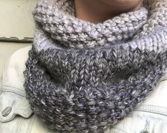 Two tone knit cowl