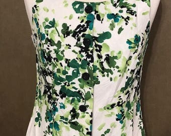 Vintage Print Dress  Down Buttons  White and Green Fit Medium Office/business Attire