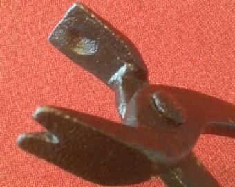 "Antique Farrier Tongs 17"" Blacksmith Tongs Old Nail Holder Puller"