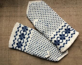 Mittens, M size, patterned winter gloves, hand knit woman wool mitts, merino lining, Latvian trad. pattern