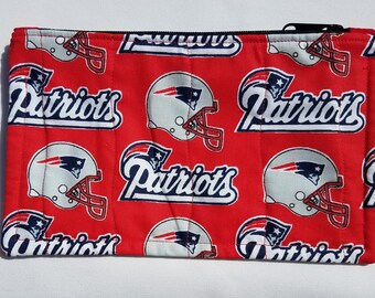 New Eangland Patriots Quilted Zippered Pouch
