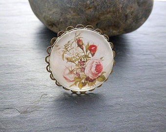 Ring cabochon flower lace