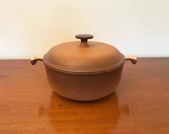 Le creuset oven -  casserole - Enzo Mari - cast iron - la mama