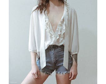 Vintage off white long sleeve blouse with tie neck / Boho bohemian minimal cream 3/4 length sleeve