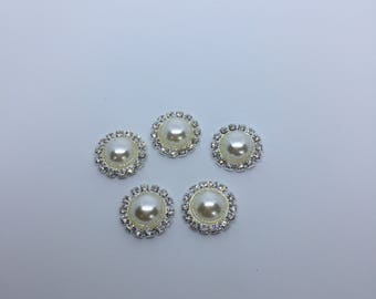 5 faux pearl and rhinestone flat back jewel center