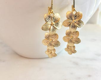 Beachy Gold Earrings•Gold Flower Long Earrings•Bridesmaid Earrings•Destination Wedding•Hawaiian Earrings•Peach Earrings•Hibiscus Earrings