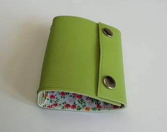 Recycled - Card holder in green (n 35) recycled rigid linoleum