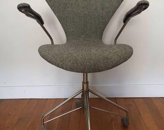 Chair by Designer Arne Jacobsen for Fritz Hansen