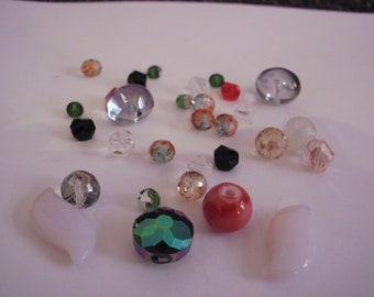 Set of 30 silver patterns, colors, sizes and various shapes