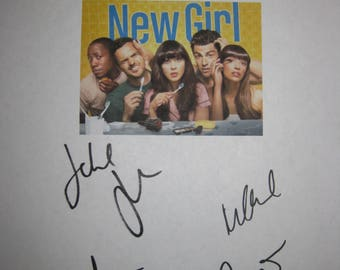 New Girl Signed TV Pilot Screenplay Script X5 Autograph Zooey Deschanel Jake Johnson Hannah Simone Lamorne Morris Max Greenfield signature