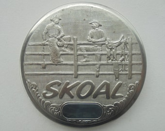Skoal 2-cowboys on fence snuff lid-NEW