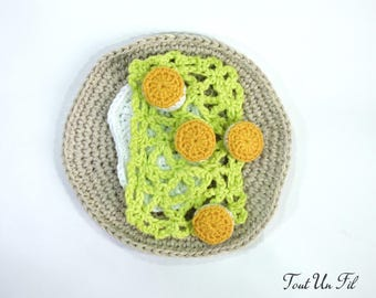 Toy Dinette crochet: cake Breton shells St Jacques - leeks