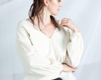 Japanese cotton vneck top