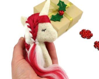 Candy Cane Unicorn Brooch, Red White Unicorn, Christmas Unicorn, Xmas Unicorn Jewellery, Unicorn Gifts, Festive Jewellery, Novelty Brooch