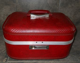 Vintage 1960s Trojan Train Case