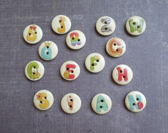 40 fun letter 1.5 cm wooden buttons