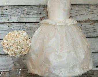 Chiffon and satin ivory flower girl dress with matching kissing ball,ivory flower girl dress with matching flower girl basket
