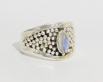 Rainbow Moonstone ring in Sterling silver 950%