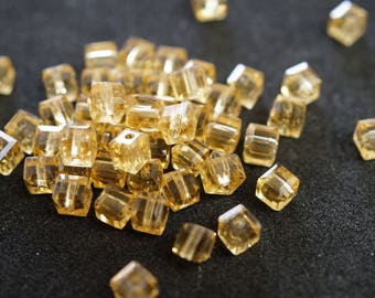 20 cubic Crystal 4 mm CHAMPAGNE N21