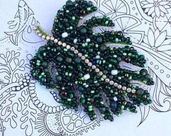 Monstera leaf brooch eco plant jewelry tropical leaf jewelry gift jewelry crystal jewelry botanical jewelry beaded brooch greenery