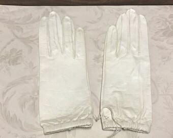 Vintage Bonwit Teller Size 6.5 Leather Gloves, Ladies French Leather Gloves, Washable Leather Gloves, Never Been Worn,