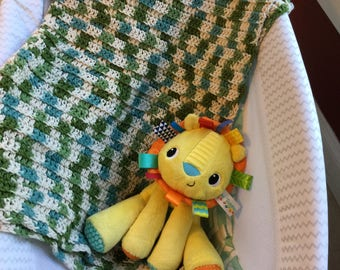 Crochet cotton baby blanket
